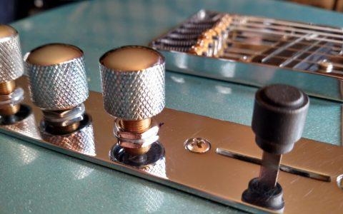 G&L Guitars ASAT Classic Bluesboy Tribute Guitar Controls