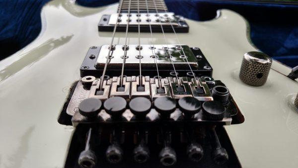 Floyd Rose Style Bridge-Schecter Hellraiser-AxeDr