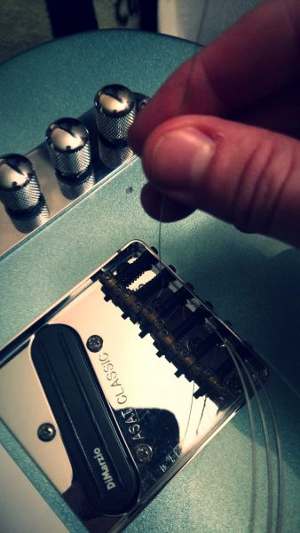 how to change guitar strings 3