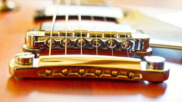 gibson-les-paul-bridge-string-action